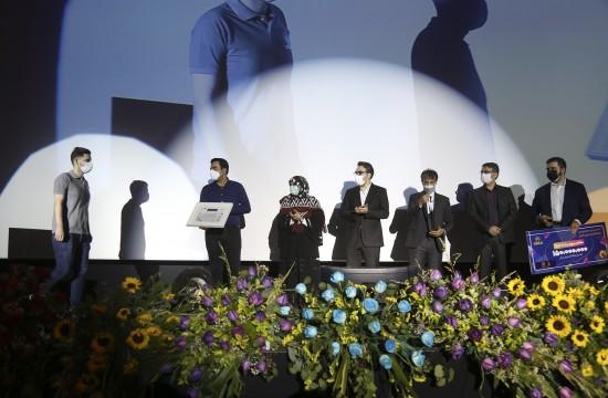 اهدای جوایز برگزیدگان ششمین جام قهرمانان بازیهای ویدئویی ایران