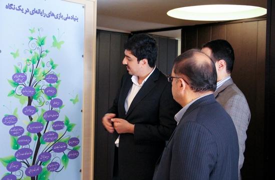 بازدید دکتر محمدمهدی مفتح از بنیاد ملی بازیهای رایانهای