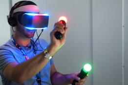 هر آنچه باید درباره واقعیت مجازی (VR) بدانید